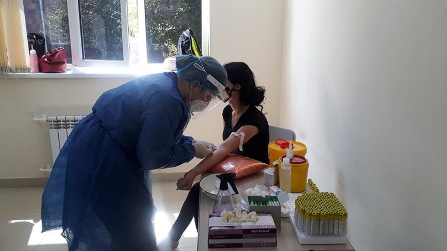 Հայաստանում բուժաշխատողների շրջանում COVID-19 հակամարմինների շճաբանական հետազոտություն