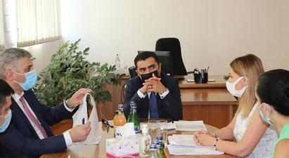 Նախարար Ռոմանոս Պետրոսյանն աշխատանքային շրջայց է կատարել «Անտառային կոմիտեի» և «Հայանտառ» ՊՈԱԿ-ի գրասենյակներ