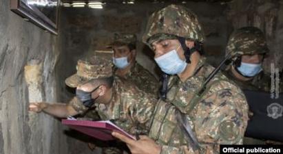 ՀՀ ԶՈւ գլխավոր շտաբի պետ Օնիկ Գասպարյանն այցելել է մարտական դիրքեր