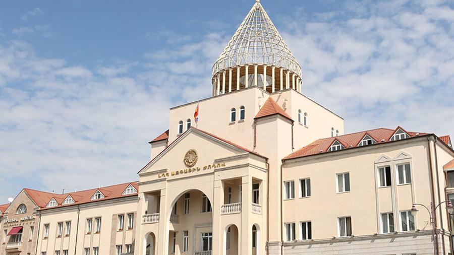 Արցախի խորհրդարանի 4 կուսակցություններ պահանջում են Արայիկ Հարությունյանի հրաժարականը