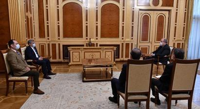 Նախագահը հանդիպել է «Հանրապետություն» կուսակցության նախագահ Արամ Սարգսյանի և Արտակ Զեյնալյանի հետ