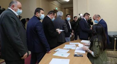 ԱԺ-ում մեկնարկեց Վճռաբեկ դատարանի դատավորի ընտրության փակ-գաղտնի քվեարկությունը |armtimes.com|