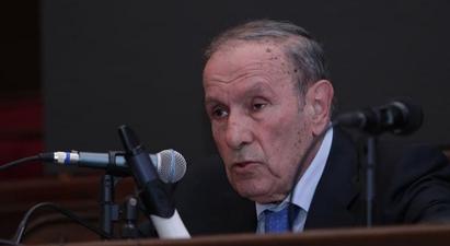 Փաշինյանը Առաջին նախագահին մեղադրում է մի բանում, որ ինքն արդեն «փառավորապես» իրականացրել է՝ Ղարաբաղը ոտքով-գլխով հանձնել է Ադրբեջանին. Լևոն Տեր-Պետրոսյանը՝ Փաշինյանի հայտարարության մասին