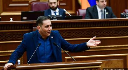 Պատգամավորները դժգոհեցին նիստի օրակարգից, առաջարկեցին քննարկել զինվորների դիերի պահման պայմանների հարցը |armenpress.am|