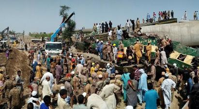 Պակիստանում գնացքների բախման հետևանքով զոհերի թիվը հասել է 50-ի, վիրավորներինը՝ մոտ 70-ի  tert.am 