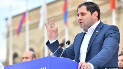 Սուրեն Պապիկյանը հայտնեց առաջիկայում ևս երկու էլեկտրագնացք Հայաստան ներմուծելու մասին  armenpress.am 