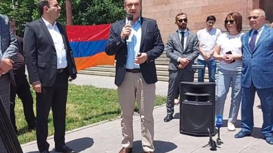 «Մեր տունը Հայաստանն է» կուսակցությունը իշխանության գալով կվերանայի հանրակրթության համակարգը |armenpress.am|