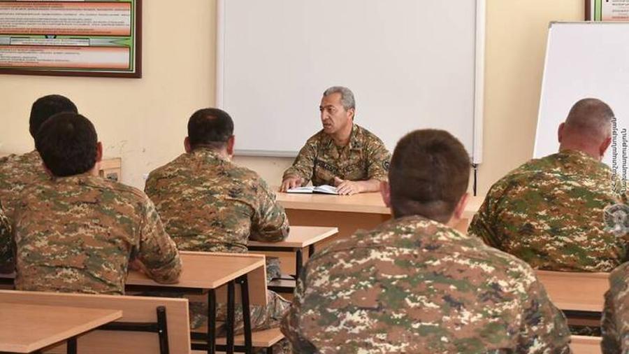 Խորհրդակցություն զորամասերից մեկում. քննարկվել են հետպատերազմյան իրավիճակում ծառայության կազմակերպման քայլերը