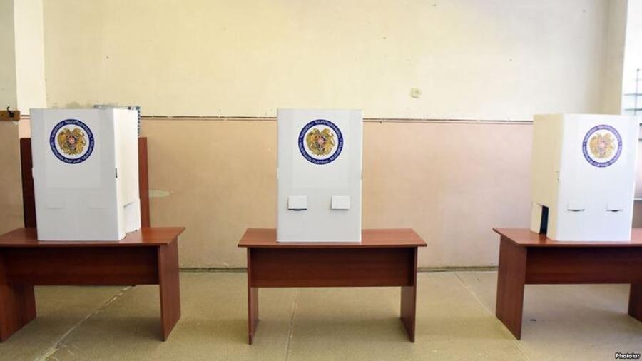 Նոր Գեղի համայնքի 28/30 ընտրատեղամասում 1842 ընտրողներից քվեարկության մասնակցել են 925-ը՝ 50,2%-ը