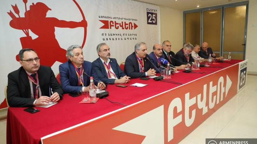 """""""National-Democratic Pole"""" rejects meeting with Pashinyan"""