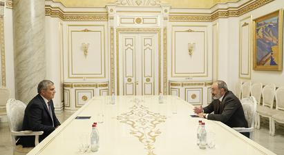 Նիկոլ Փաշինյանը քաղաքական խորհրդակցություններ է անցկացնում. տեղի է ունեցել հանդիպում Արամ Սարգսյանի հետ