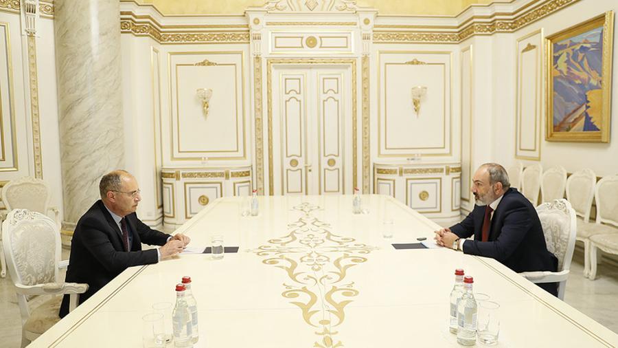 Նիկոլ Փաշինյանը հանդիպում է ունեցել Պահպանողական կուսակցության նախագահ Միքայել Հայրապետյանի հետ