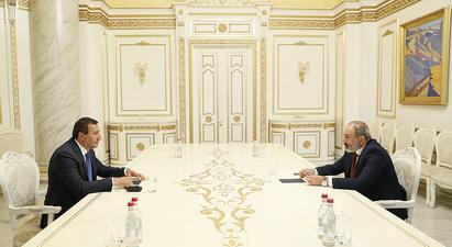 Նիկոլ Փաշինյանը հանդիպում է ունեցել Տիգրան Արզաքանցյանի հետ