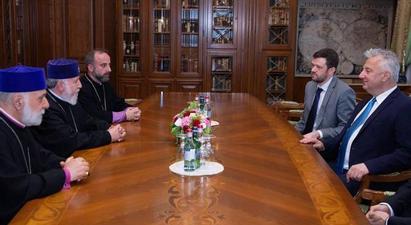 Ամենայն Հայոց Կաթողիկոսը հանդիպում է ունեցել Հունգարիայի փոխվարչապետի հետ