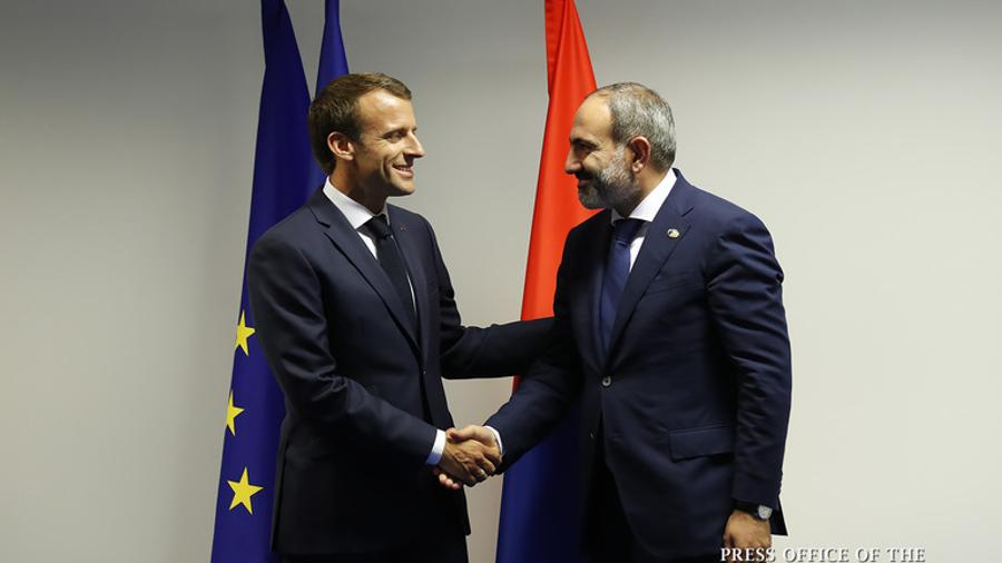 Emmanuel Macron congratulates Pashinyan on winning the elections