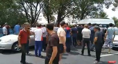 Բողոքի ակցիա Երևան-Արմավիր ավտոճանապարհին. գյուղացիները ոռոգման ջուր են պահանջում |factor.am|
