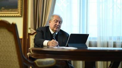 Արմեն Սարգսյանը ստորագրել է Տիգրան Սահակյանին Վերաքննիչ քրեական դատարանի նախագահ նշանակելու հրամանագիրը