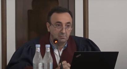 Հրայր Թովմասյանը կրկին միջնորդեց հրավիրել նախագահին. ՍԴ-ն հարցը կքննի խորհրդակցության ֆորմատով    armenpress.am 