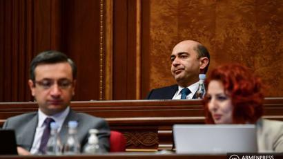 «Լուսավոր Հայաստան» խմբակցությունը չի մասնակցելու ԱԺ արտահերթ նիստին