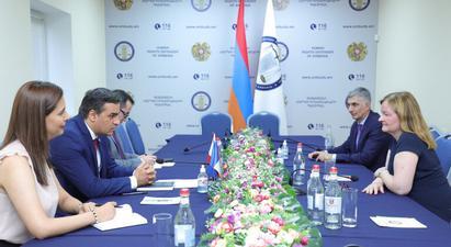 Հայկական կողմի զինծառայողները և քաղաքացիական անձինք կարգավիճակով գերիներ են, պետք է վերադարձվեն հայրենիք՝ առանց քաղաքական կամ այլ նախապայմանի․ ՄԻՊ-ը՝ Եվրախորհրդարանի ներկայացուցչին