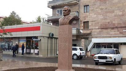 Ռուս խաղաղապահները մասնակցել են Լեռնային Ղարաբաղում ծովակալ Իսակովի հիշատակին նվիրված հանրահավաքին |armenpress.am|