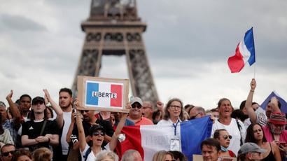 Փարիզում կորոնավիրուսով պայմանավորված միջոցառումների դեմ ցույցի ժամանակ բախումներ են տեղի ունեցել. ոստիկանները ջրցան մեքենաներ են կիրառել |tert.am|