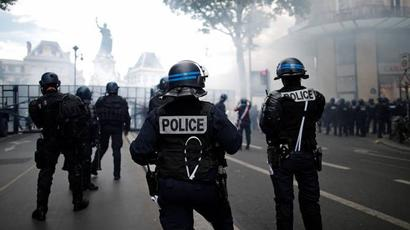 Փարիզում բողոքի ակցիա է. քաղաքացիները դեմ են համաճարակային կանոնների խստացմանը |armenpress.am|