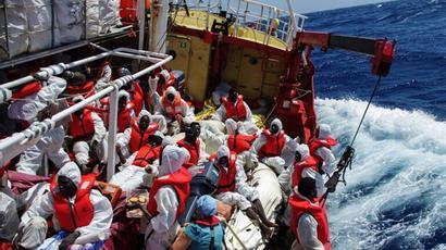 Շուրջ 400 մարդ է փրկվել Միջերկրական ծովում խորտակվող նավից  tert.am 