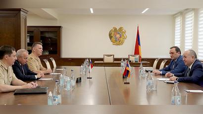 ՀՀ պաշտպանության նախարարն ու ՌԴ դեսպանը քննարկել են երկկողմ ռազմական և ռազմաքաղաքական համագործակցության լայն շրջանակ