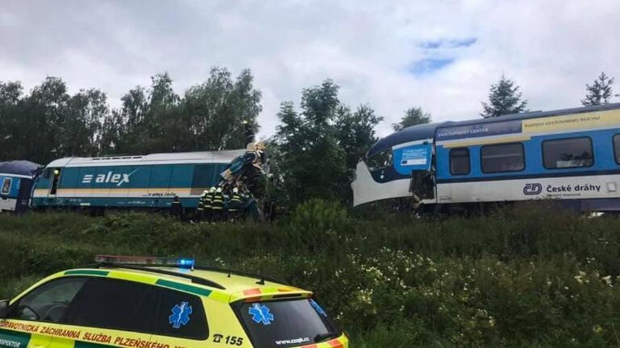 Չեխիայում բախվել են մարդատար երկու գնացքներ. կան 2 զոհ և տասնյակ վիրավորներ