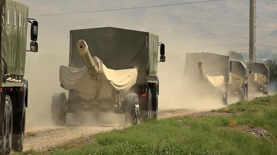 ՀՀ սահմանին մոտեցող ադրբեջանական զորքերի լուսանկարները հին են