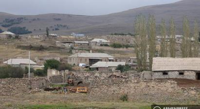 Երեկ հակառակորդը կրակել է Կութ գյուղի վրա․ վնասվել են տների տանիքները  armenpress.am 