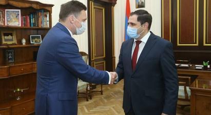 Սուրեն Պապիկյանն ու Նիկոլայ Պոդգուզովը քննարկել են ՀՀ կառավարության և ԵԱԶԲ-ի համագործակցության նոր ուղիները