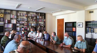 Ռազմամարզական ճամբարի ծրագիրը կընդլայնվի. քննարկում ԿԳՄՍ նախարարությունում