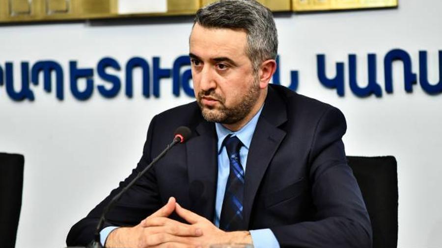 Արա Խզմալյանը պաշտոնական այցով կմեկնի Մոսկվա