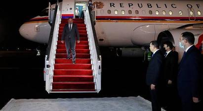 Նիկոլ Փաշինյանն աշխատանքային այցով ժամանել է Դուշանբե. դիմավորել են Տաջիկստանի վարչապետն ու ԱԳ նախարարը