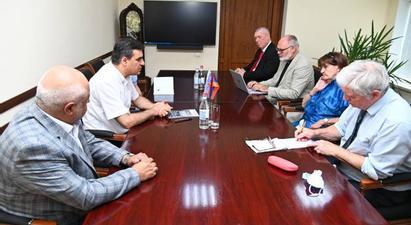 ՄԻՊ-ը Քերոլայն Քոքսին ներկայացրել է ադրբեջանական զինծառայողների կողմից ՀՀ սահմանային բնակիչների իրավունքների խախտման փաստերը