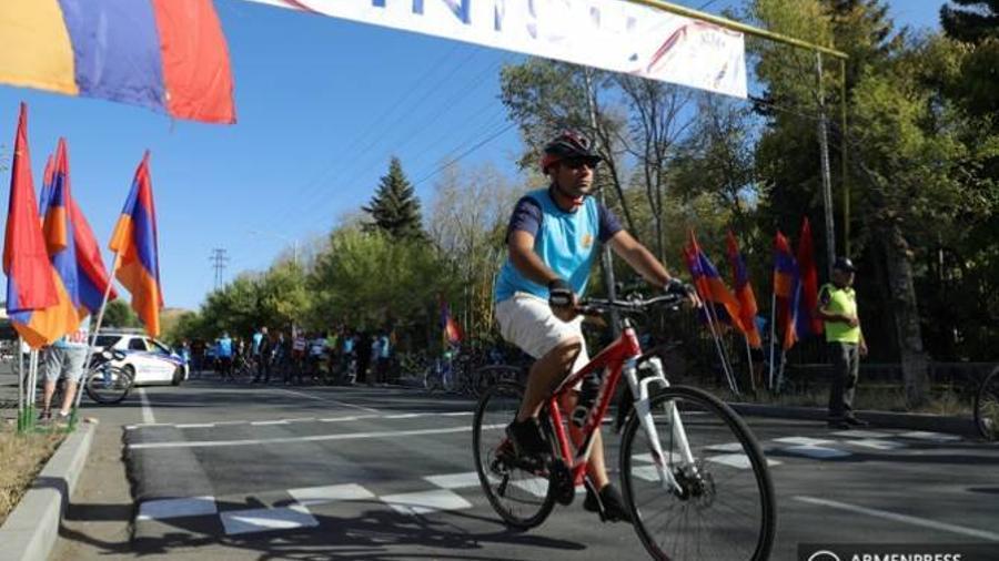 ԿԳՄՍ նախարարը հաջողված է համարում «ՀՀ Վարչապետի գավաթ» խճուղային սիրողական հեծանվավազքի առաջին մրցաշարը |armenpress.am|