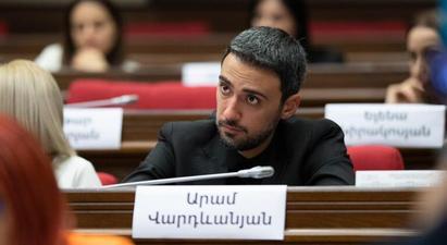 Արամ Վարդևանյանի կարծիքով՝ հայհոյանքի քրեականացումը չի կիրառվելու իշխանական հայացք ունեցողների նկատմամբ |hetq.am|