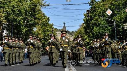 ԶՈւ տարբեր ստորաբաժանումները քայլերթեր իրականացրին Երևանի փողոցներում |armenpress.am|