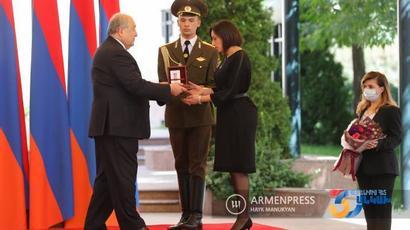 Նախագահն Անկախության տոնի առթիվ պարգևատրում է տարբեր բնագավառների ներկայացուցիչների, հետմահու շնորհում շքանշաններ |armenpress.am|