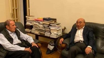 Լևոն Տեր-Պետրոսյանը հյուրընկալել է Ղրղզստանի հանրապետության նախկին նախագահ Ասկար Ակաևին