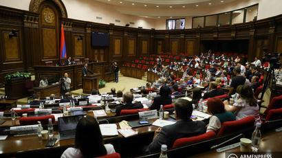 Համայնքների խոշորացման գործընթացի օրինականության հարցով «Հայաստան» և «Պատիվ ունեմ» խմբակցությունները նախագահ Արմեն Սարգսյանին առաջարկել են դիմել ՍԴ |tert.am|