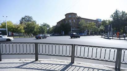 Քաղաքապետարանը հետիոտների անվտանգության համար արգելապատնեշներ է տեղադրում Երևանի փողոցներում