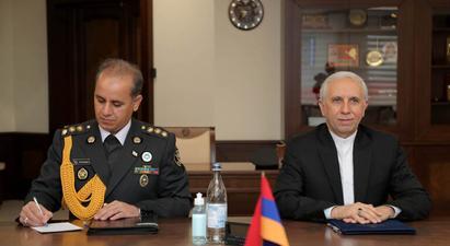 ՀՀ պաշտպանության նախարարը Իրանի դեսպանի հետ հանդիպմանը ներկայացրել է իրավիճակը տարածաշրջանում