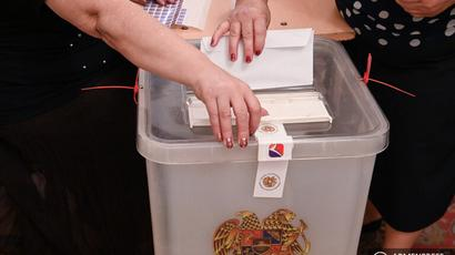 Ընտրություններին մասնակցած ուժերից մեկի օգտին կողմ քվեարկելու համար ընտրողներին կաշառք տալու և կաշառք ստանալու մեջ մեղադրվող 4 անձի վերաբերյալ քրգործերի նախաքննությունն ավարտվել է. ՀՔԾ