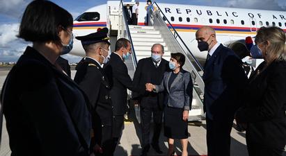 Նախագահ Արմեն Սարգսյանն Իտալիայի նախագահ Սերջո Մատարելլայի հրավերով պետական այցով ժամանել է Հռոմ