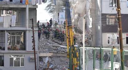 Բաթումիում բնակելի տներից մեկի փլուզման հետևանքով զոհերի թիվն ավելացել է |armenpress.am|