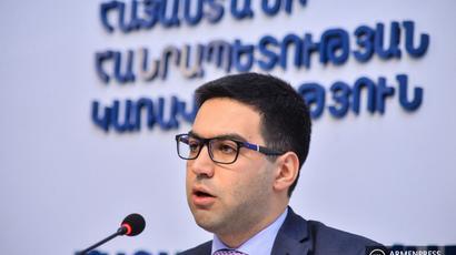 Օրենսդրական որևէ կարգավորում չկա, ուղղակի այդպես է հիմա ընդունված․ Ռուստամ Բադասյանը՝ վարչապետի նկարն իր աշխատասենյակում կախելու մասին |tert.am|