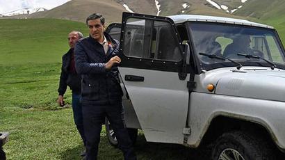 Գեղարքունիքի մարզ ներխուժած ադրբեջանական ԶՈՒ-ն ՀՀ քաղաքացիներին պատկանող հողատարածքներում կառուցել է մեծ ապաստարաններ, կուտակել վառելափայտ, բետոնապատել են իրենց դիրքեր տանող ճանապարհները․ ՄԻՊ